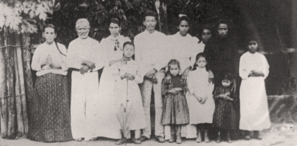 Don Guadalupe Sánchez and his family